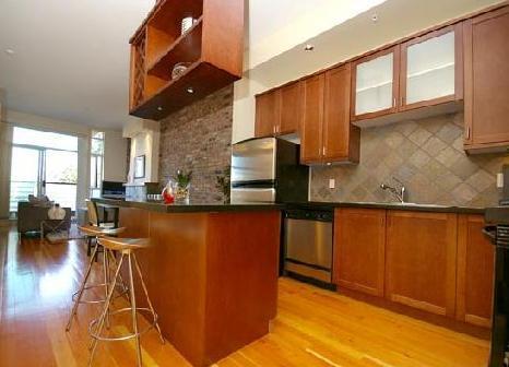 Kitchen 2515 Ontario